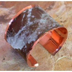 CMP 602bc Marbleized Patina Hand Forged Smooth Edge One and a Half Inch Wide Solid Copper Cuff
